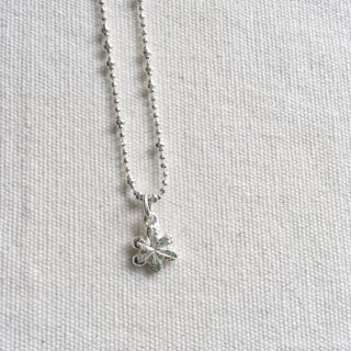 LITTLE SNOW NECKLACE