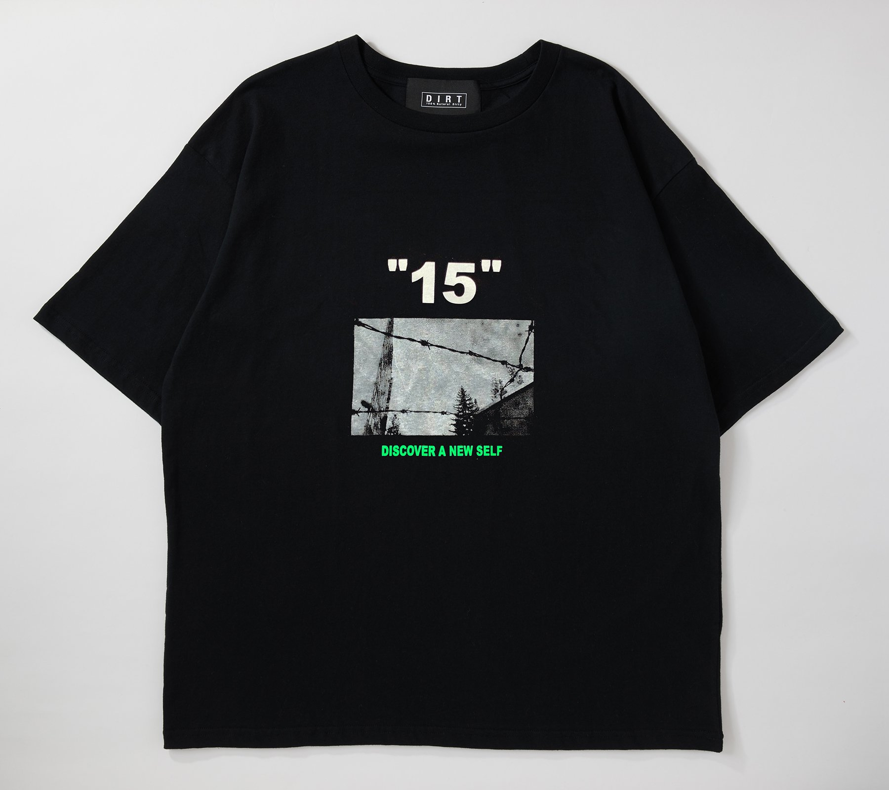 <img class='new_mark_img1' src='//img.shop-pro.jp/img/new/icons14.gif' style='border:none;display:inline;margin:0px;padding:0px;width:auto;' />2019 fall collection T-shirt 01
