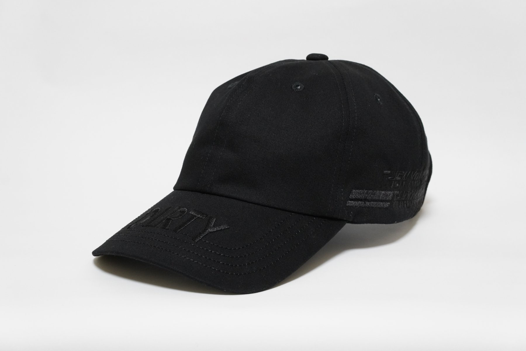 <img class='new_mark_img1' src='//img.shop-pro.jp/img/new/icons14.gif' style='border:none;display:inline;margin:0px;padding:0px;width:auto;' />2019 Winter collection CAP