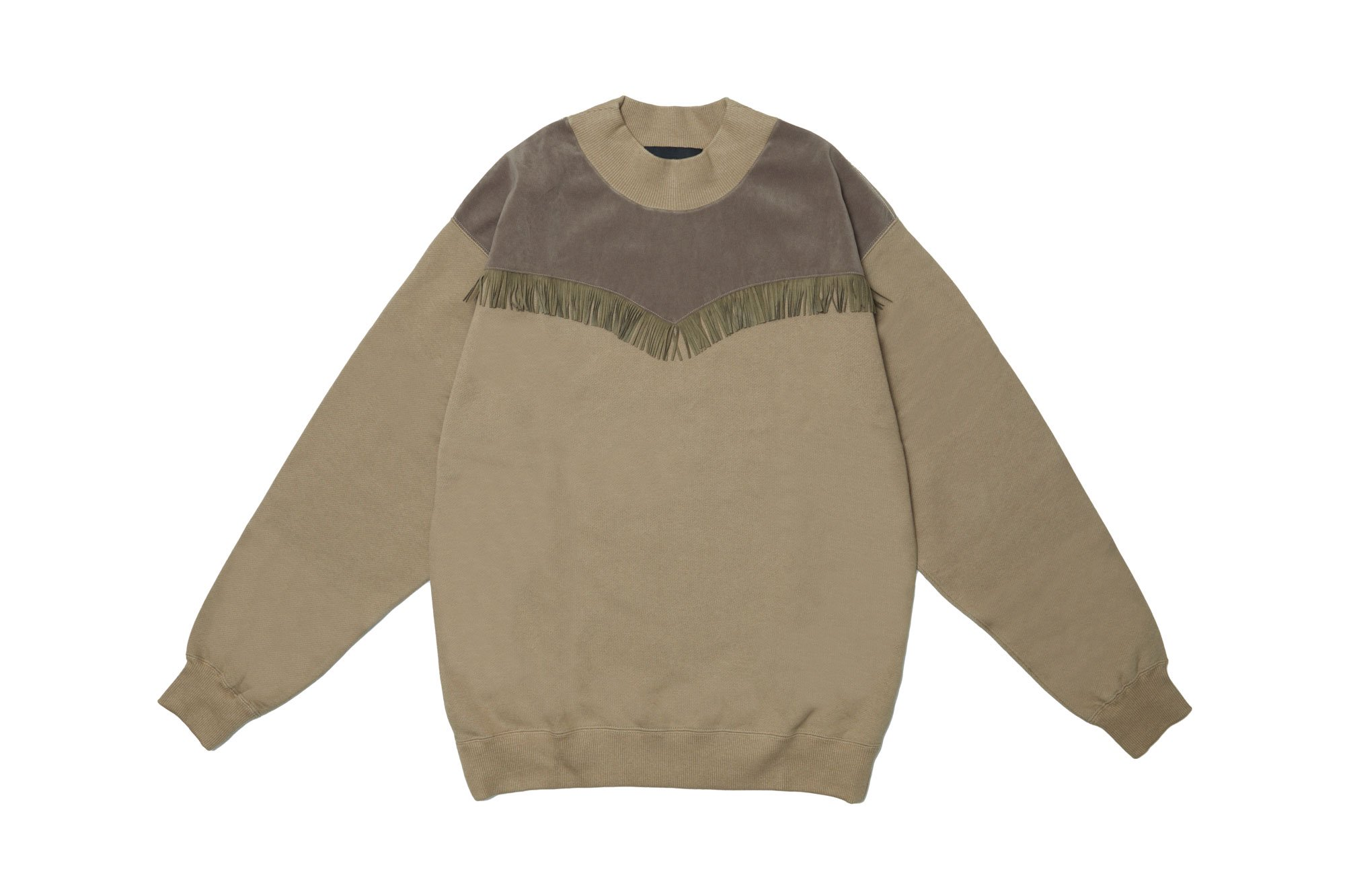 <img class='new_mark_img1' src='https://img.shop-pro.jp/img/new/icons14.gif' style='border:none;display:inline;margin:0px;padding:0px;width:auto;' />2020AW collection Suede Fringe Sweatshirt KH