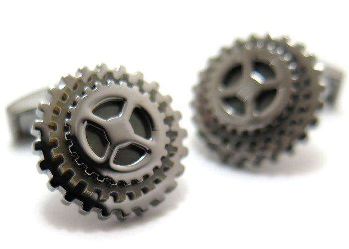 TATEOSSIAN(タテオシアン) ロータリングプレシャスギアシルバーカフス(ブラック&黒蝶貝)(カフスボタン/カフリンクス) - ブランドの画像