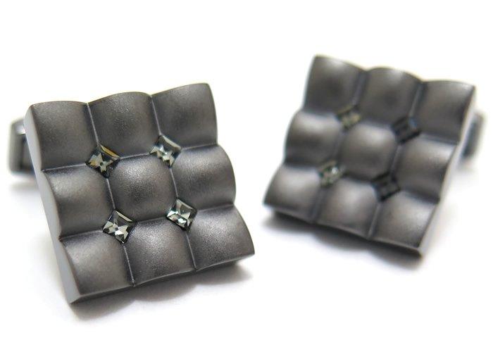 TATEOSSIAN(タテオシアン) クリスタル スクウェアスカラプトカフス(ブラックダイヤモンド)(カフスボタン/カフリンクス) - ブランドの画像