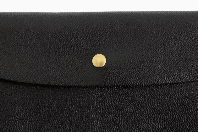 「CLASKA(クラスカ)」のMARINEDAY(マリンデイ)別注長財布の山羊革
