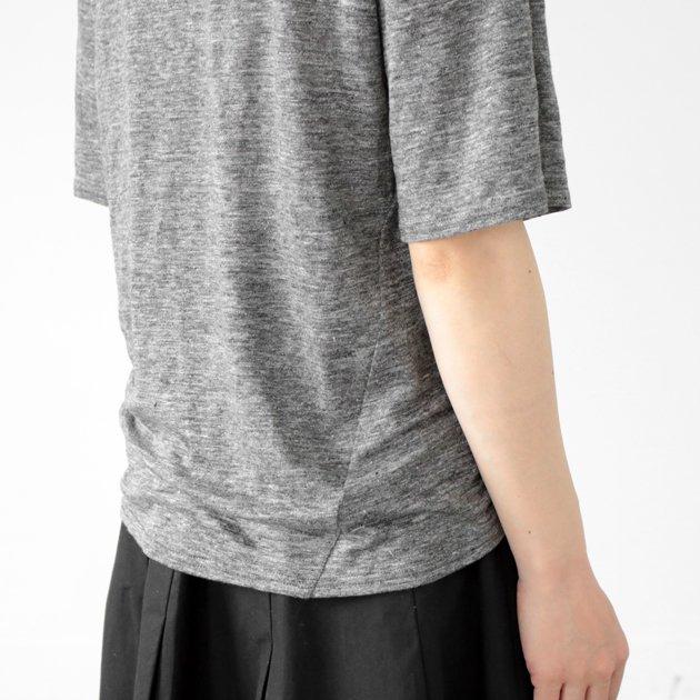 「CLASKA(クラスカ)」のリネン100%Tシャツ