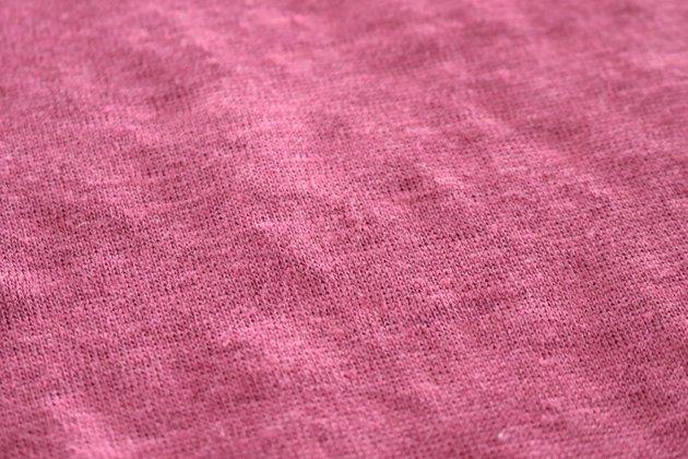 「CLASKA(クラスカ)」のリネン100%Tシャツの生地