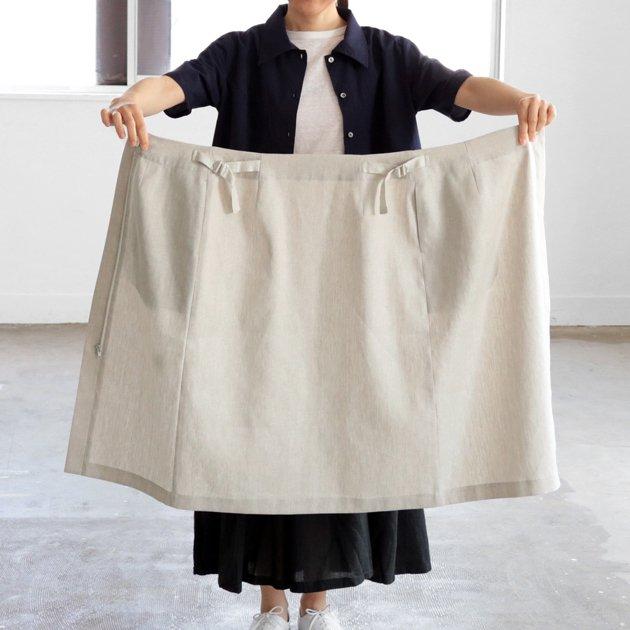 「CLASKA(クラスカ)」が堀井和子さんと作ったグリーシエルのリネンスカート