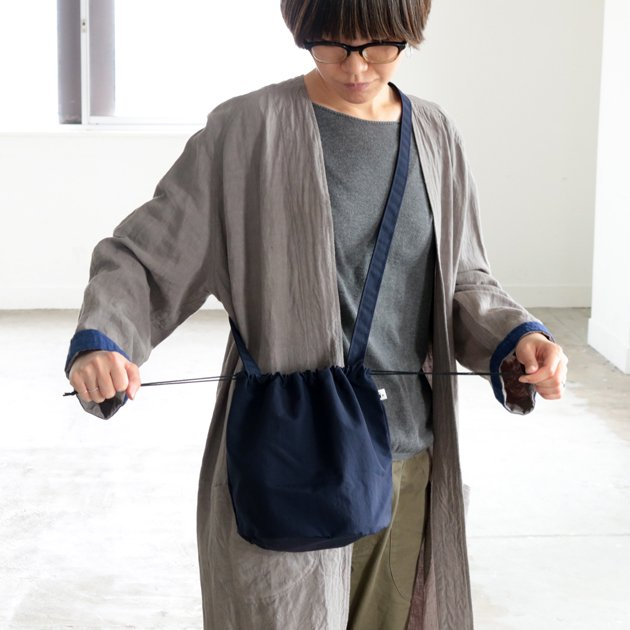 「CLASKA(クラスカ)」のナイロン巾着ポシェット
