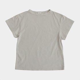 「CLASKA(クラスカ)」発のアパレルブランド「HAU(ハウ)」の半袖トップス