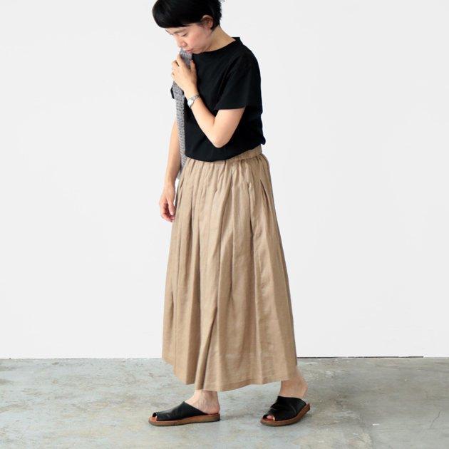 「CLASKA(クラスカ)」発のアパレルブランド「HAU(ハウ)」のスカート「lino(リノ)」