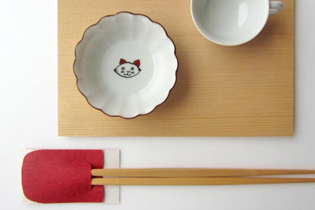 「KUTANI SEAL(クタニシール)」の子猫の菊小鉢