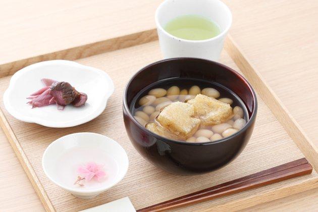 九谷青窯の白磁木瓜皿使用例