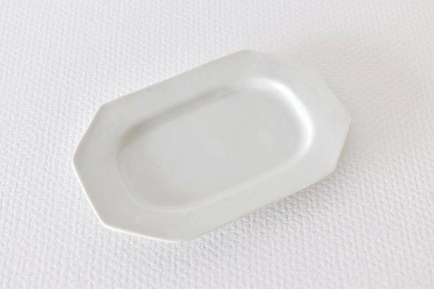 九谷青窯の白磁八角長皿