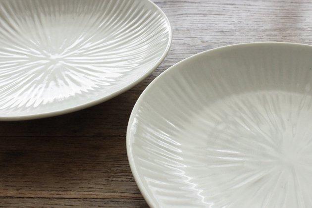 九谷青窯の白磁内しのぎ6.5寸皿