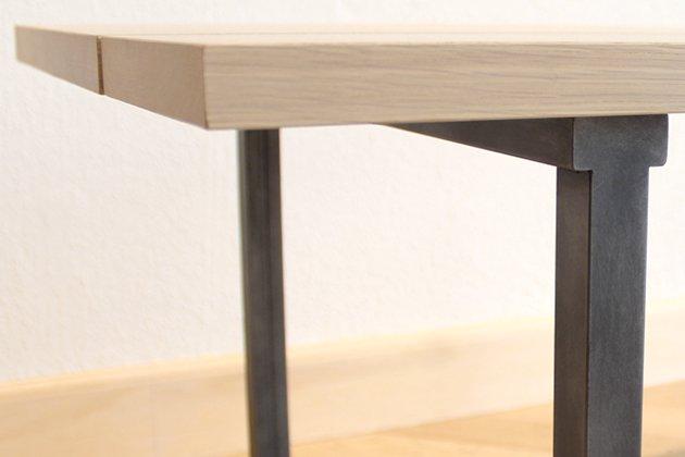 「CLASKA(クラスカ)」の「Iron Legs ローテーブル」