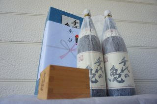 奉献酒(1800ml)2本+千代の亀枡セット
