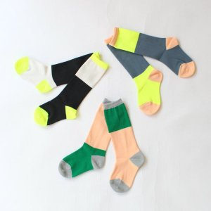 <img class='new_mark_img1' src='https://img.shop-pro.jp/img/new/icons14.gif' style='border:none;display:inline;margin:0px;padding:0px;width:auto;' />2TONE ASYMETRIC SOCKS フランキーグロウ(FRANKY GROW )