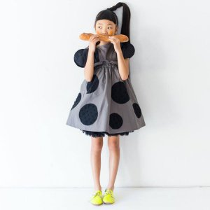 <img class='new_mark_img1' src='https://img.shop-pro.jp/img/new/icons14.gif' style='border:none;display:inline;margin:0px;padding:0px;width:auto;' />UNEVEN DOTS STRAP SKIRT GRAY    フランキーグロウ(FRANKY GROW )