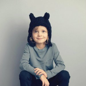<img class='new_mark_img1' src='https://img.shop-pro.jp/img/new/icons14.gif' style='border:none;display:inline;margin:0px;padding:0px;width:auto;' />KIDS ON THE MOON / faun faux fur cap black AW18