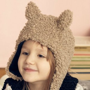 <img class='new_mark_img1' src='https://img.shop-pro.jp/img/new/icons14.gif' style='border:none;display:inline;margin:0px;padding:0px;width:auto;' />KIDS ON THE MOON / faun faux fur cap beige AW18