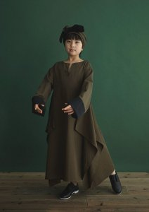 <img class='new_mark_img1' src='https://img.shop-pro.jp/img/new/icons14.gif' style='border:none;display:inline;margin:0px;padding:0px;width:auto;' />Folklore Dress / OLIVE DARB / GRIS (グリ)2020aw