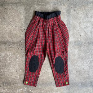 <img class='new_mark_img1' src='https://img.shop-pro.jp/img/new/icons14.gif' style='border:none;display:inline;margin:0px;padding:0px;width:auto;' />WAIST PLEATS QUILTING JQ PANTS / RED CHECK-BK / フランキーグロウ(FRANKY GROW )2020aw