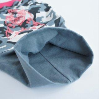 【完成品・即発送】JUNBULL迷彩グレー×ピンク 伝七プリントのハイネックTシャツ