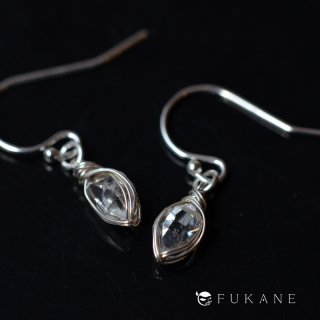 【一点もの】原石SV925ワイヤーラップピアス/ハーキマーダイヤモンド(ニューヨーク・ハーキマー産)