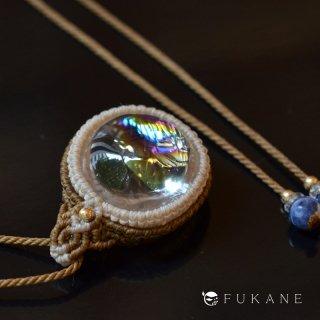 【一点もの】レインボー水晶(アイリスクォーツ)のマクラメペンダント