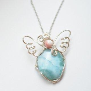 【一点もの】ワイヤーラッピング天使の羽ペンダント/ラリマー、ピンクコーラル