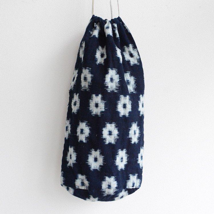 <img class='new_mark_img1' src='https://img.shop-pro.jp/img/new/icons8.gif' style='border:none;display:inline;margin:0px;padding:0px;width:auto;' />米袋 巾着バッグ 藍染 絣 ジャパンヴィンテージ 20〜30年代   Rice Bag Komebukuro Kasuri Ikat Indigo Japan Vintage 20〜30s