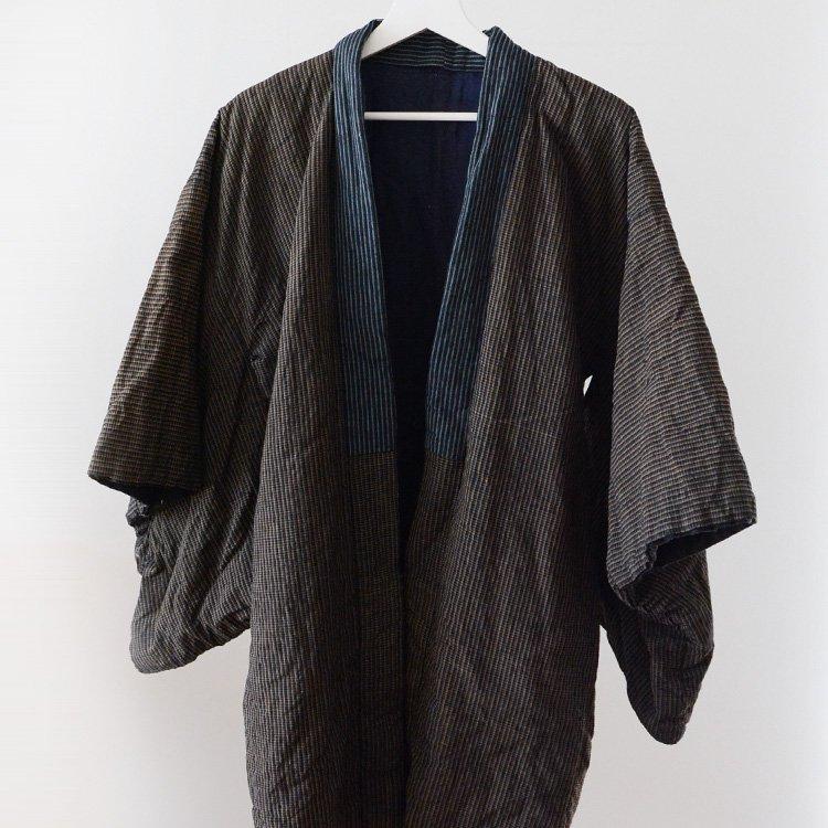 <img class='new_mark_img1' src='https://img.shop-pro.jp/img/new/icons8.gif' style='border:none;display:inline;margin:0px;padding:0px;width:auto;' />綿入れ半纏 木綿 藍染糸使用 ジャパンヴィンテージ 着物 | Hanten Padded Winter Kimono Jacket Japan Vintage Indigo Yarn