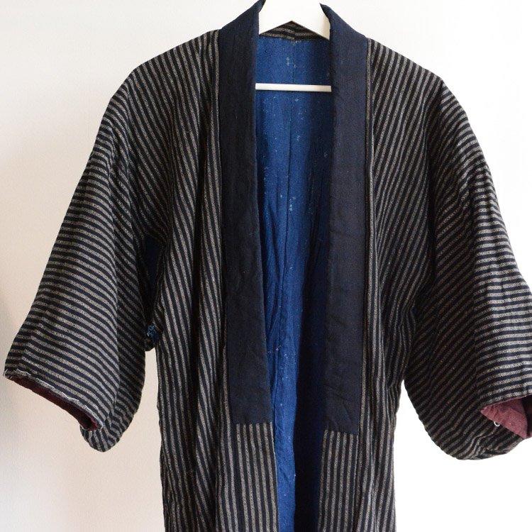 <img class='new_mark_img1' src='https://img.shop-pro.jp/img/new/icons8.gif' style='border:none;display:inline;margin:0px;padding:0px;width:auto;' />野良着 古着 藍染 木綿 縞模様 ジャパンヴィンテージ 30年代 | Noragi Jacket Boro Indigo Kimono Japan Vintage 30s Cotton