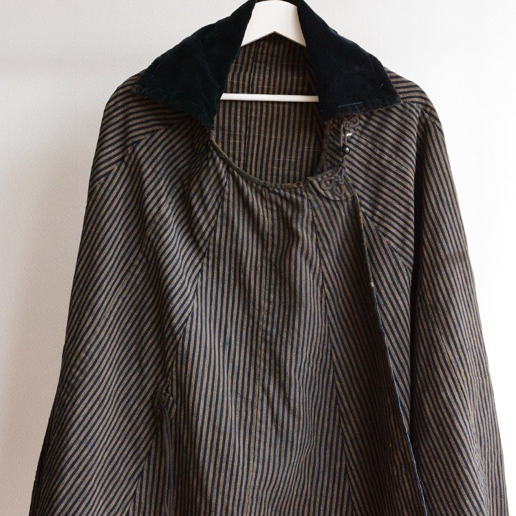<img class='new_mark_img1' src='https://img.shop-pro.jp/img/new/icons8.gif' style='border:none;display:inline;margin:0px;padding:0px;width:auto;' />道中合羽 藍染 縞模様 ジャパンヴィンテージ ケープ マント | Japan Vintage Indigo Stripe Cape Cotton