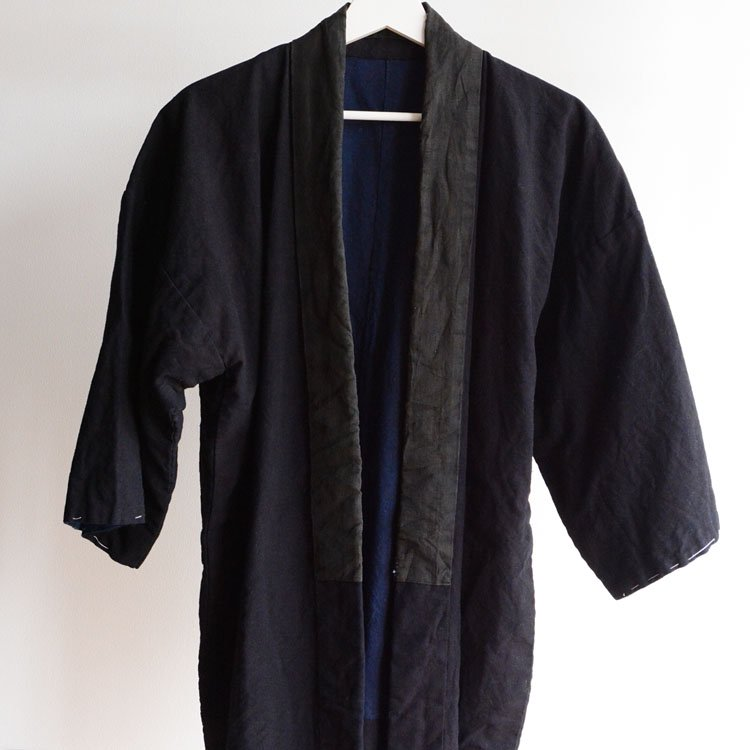 <img class='new_mark_img1' src='https://img.shop-pro.jp/img/new/icons8.gif' style='border:none;display:inline;margin:0px;padding:0px;width:auto;' />野良着 藍染 半纏 無地 ジャパンヴィンテージ 大正 | Noragi Jacket Hanten Indigo Kimono Japan Vintage Plain