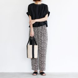 TRAVAIL MANUEL [トラバイユ マニュアル] ''ビーズpt.イージーパンツ'' (LADIES')<img class='new_mark_img2' src='https://img.shop-pro.jp/img/new/icons13.gif' style='border:none;display:inline;margin:0px;padding:0px;width:auto;' />