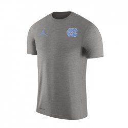 UNC JORDAN 2017 サイドライン ショートスリーブシャツ グレー