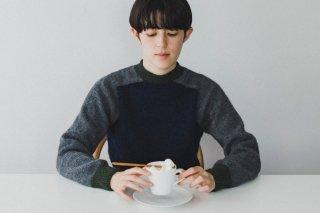 サドルショルダーのセーター