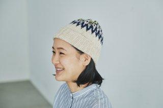 ノルディック柄の編み込み帽子