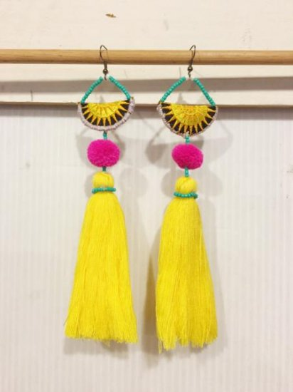 【NEW】BIG TASSEL EARRINGS