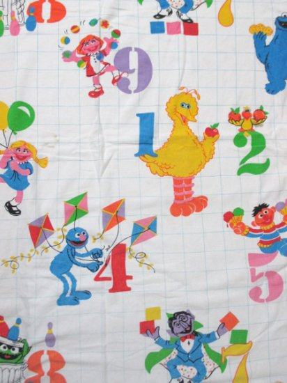 【USED】 VINTAGE SESAME STREET Bed Sheet 233cm×182cm Made in U.S.A