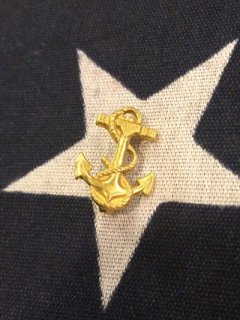 【DEAD STOCK】GOLD ANCHOR PIN