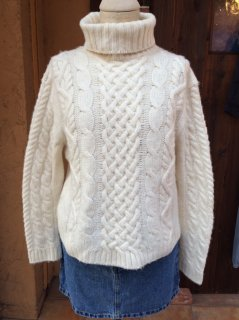 【USED】PereGrine TURTLENECK WOOL CABLED SWEATER