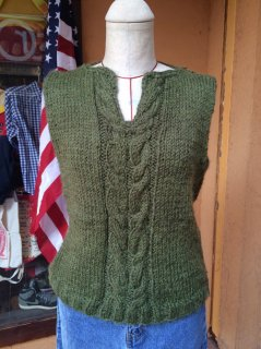 【USED】CABLED KNIT VEST