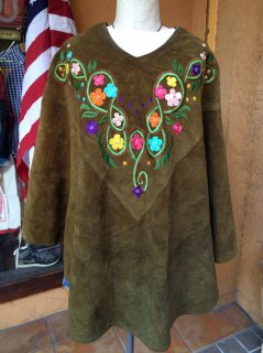 【USED】 SUEDE  EMBROIDERY PONCHO