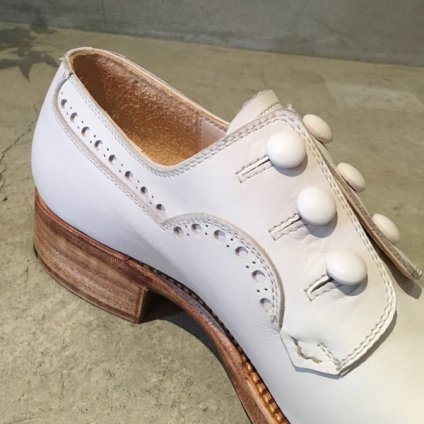 SONOMITSU(ソノミツ)Buttoned Shoes White