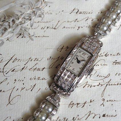 MOVADO Platinum Watch(モバード プラチナ ウォッチ)ダイヤモンド・パール装飾