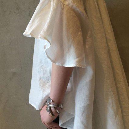【30%OFF】suzuki takayuki flared-sleeve blouse (スズキタカユキ フレアードスリーブブラウス ) Nude