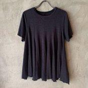 ikkuna/suzuki takayuki flared t-shirts (イクナ/スズキタカユキ フレアードTシャツ) Charcoal gray