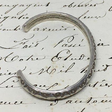 Navajo Stamped Narrow Wire Bracelet (ナバホ スタンプ ナローワイヤー バングル)