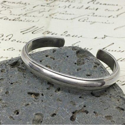 Irvin Chee Half Round Wire Bracelet (アーヴィン チー ハーフラウンド ワイヤー バングル)